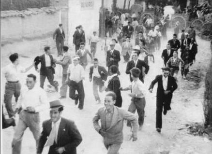ENCIERROS, HACIA 1930