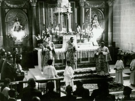 HERMANOS MAYORES EN MISA MAYOR, 1963