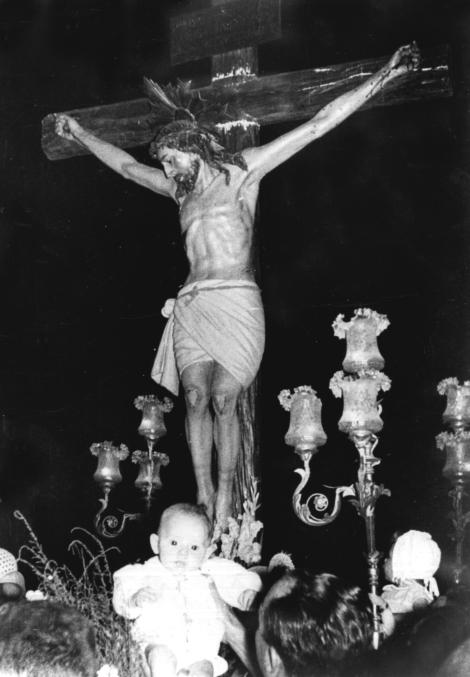 OFRECIMIENTO DE LOS NIÑOS AL STMO. CRISTO DE LOS REMEDIOS